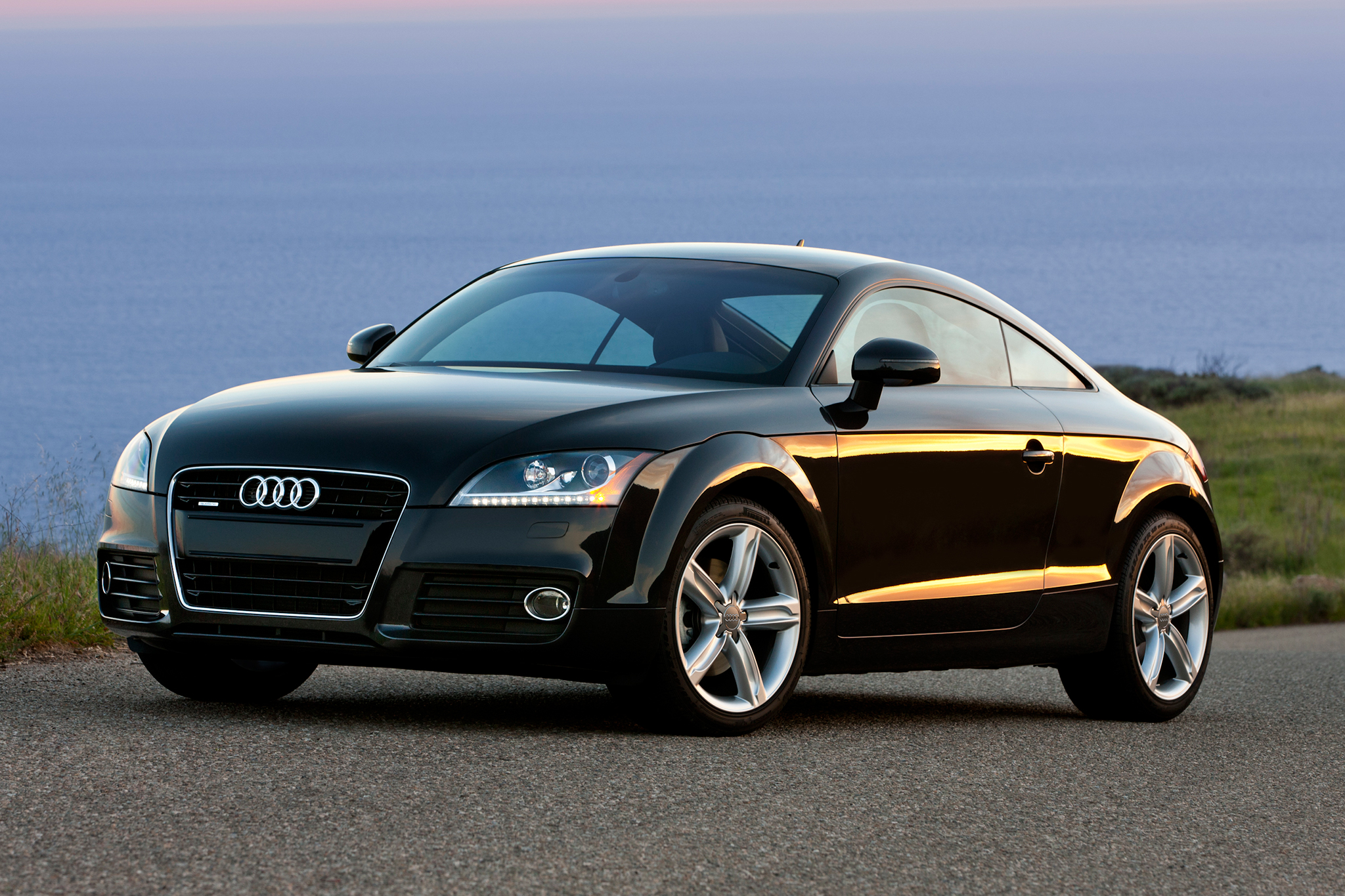 2014-audi-tt-three-quarters-view-2