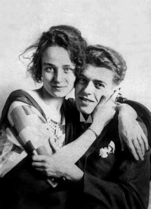 Le peintre Rene Magritte (1898-1967) et sa femme Georgette Berger vers 1922